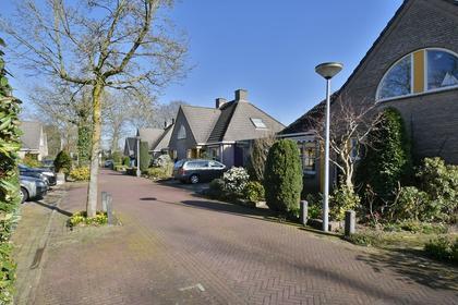 Dr. Willem Dreeslaan 11 in Huizen 1272 DB