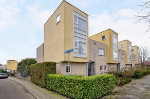 Commissarislaan 166 in Zwolle 8016 LV