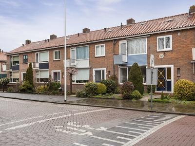 Talmastraat 12 in Lekkerkerk 2941 GV