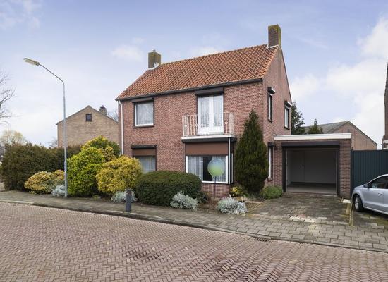 Olavstraat 1 in Zevenbergschen Hoek 4765 CP