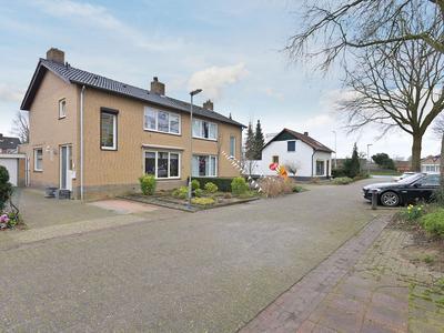 Burg Schoolmeestersstraat 28 in Roosteren 6116 BZ