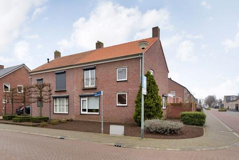 Prinses Irenestraat 2 in Stramproy 6039 CD