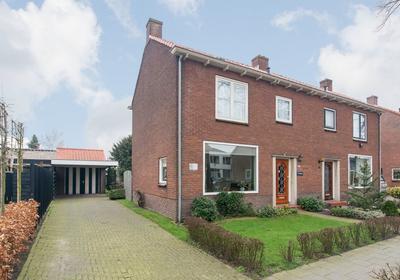 J.P.C. Leinweberstraat 49 in Veenendaal 3905 EH