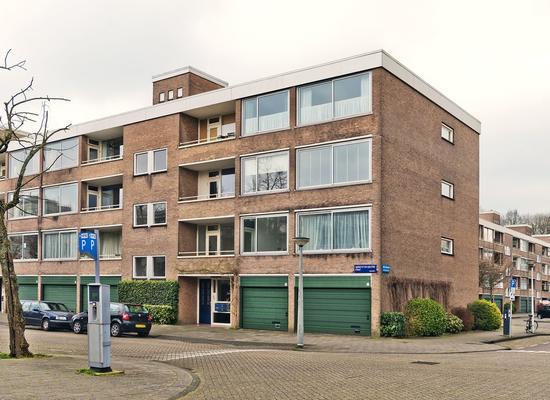 Gijsbrecht Van IJselsteinstraat 123 in Amsterdam 1082 KG