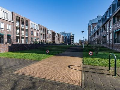 Willem Landrestraat 66 in Ridderkerk 2983 AX