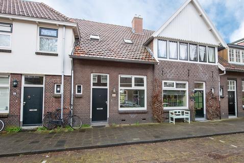 Derk Buismanstraat 6 in Zwolle 8011 GP