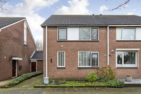 Schoolstraat 14 in Halsteren 4661 JL