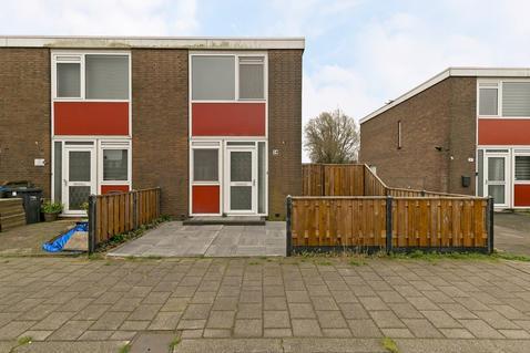 Sagiusstraat 38 in Pernis Rotterdam 3195 BL