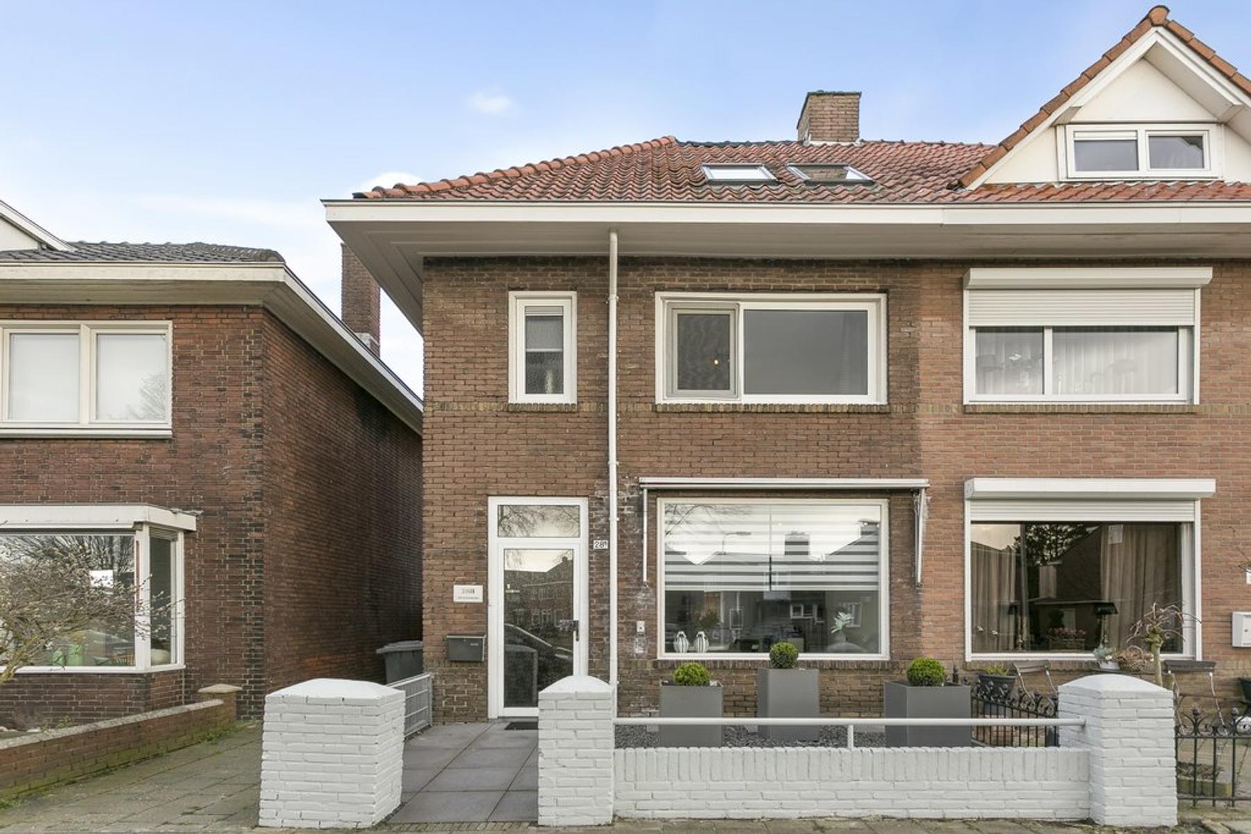 Dahliastraat 28 B in Enschede 7531 DL