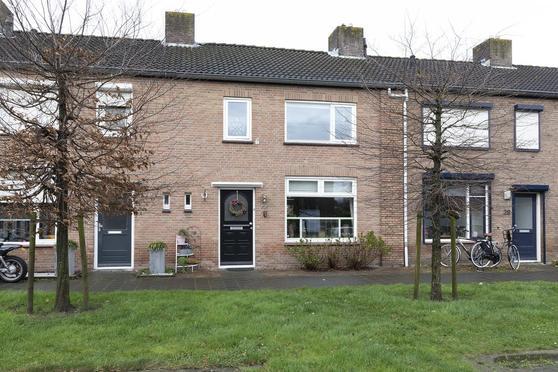 Mauritsweg 30 in Klundert 4791 JL