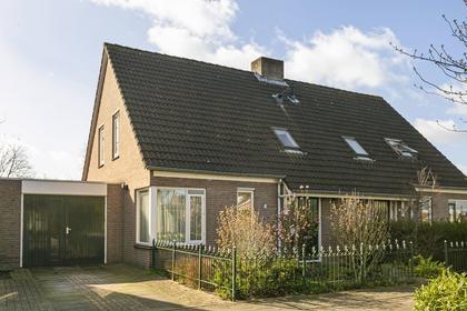 Dokter Van Wieringenstraat 77 in Waardenburg 4181 BV