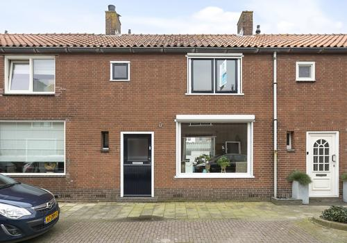 Prinses Beatrixstraat 8 in Oud-Beijerland 3262 SL