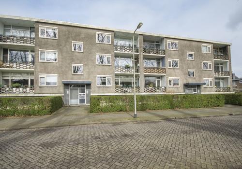 Jhr. Van Karnebeekweg 22 in Ridderkerk 2982 VL