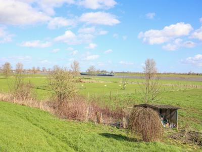Kerkdijk 10 in Alphen 6626 AA