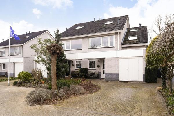 I.W.J. Vos De Waelstraat 10 in Arnhem 6842 AW