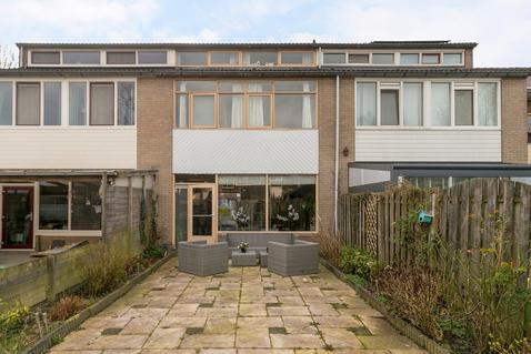 Keizerskroon 279 in Leeuwarden 8935 LT