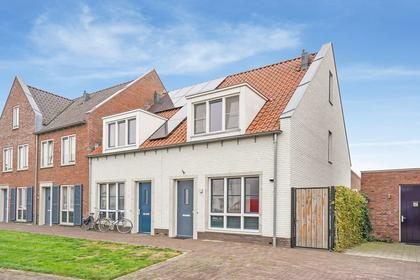 Pr Van Oranjestraat 11 in Zaltbommel 5301 RA