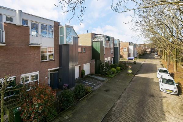 Assumburg 20 in Alphen Aan Den Rijn 2402 KS