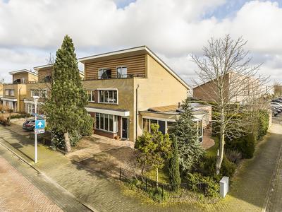 Laan Van Loevestein 42 in Nieuw-Vennep 2151 EB