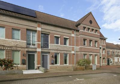 Deken Van Der Hagenstraat 10 in Helmond 5707 TV