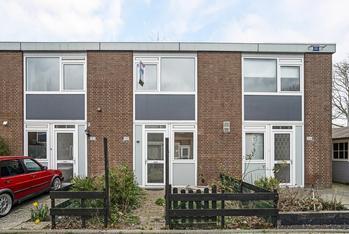 Steurweg 154 in Hoogvliet Rotterdam 3192 AH