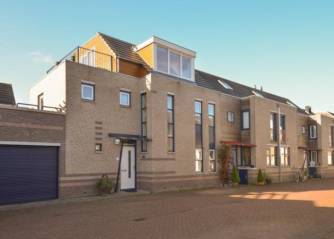 Vuurlaan 54 in Alphen Aan Den Rijn 2408 NC