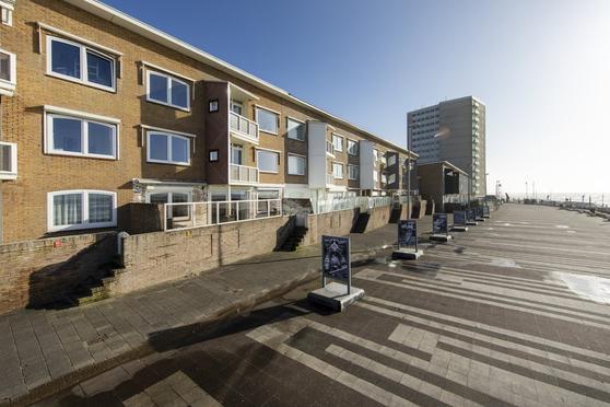 De Favaugeplein 45 in Zandvoort 2042 TR