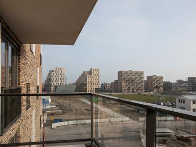 Nida Senffstraat 79 + Pp in Amsterdam 1095 MX