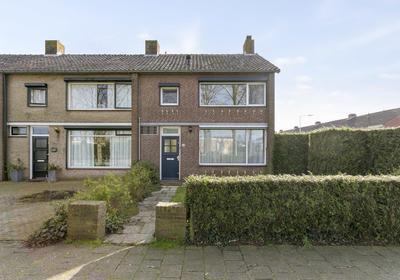 Burgemeester Elkhuizenlaan 48 in Halsteren 4661 CL