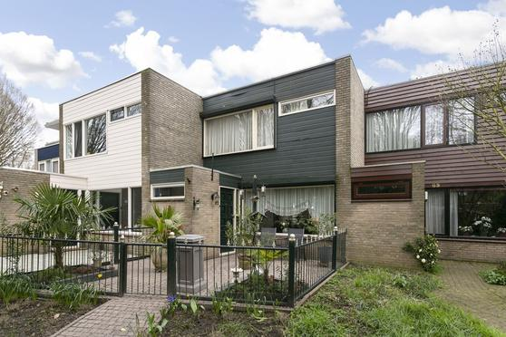 Klaverblad 62 in Halsteren 4661 ND