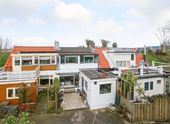 IJsseldijk-Noord 350 in Ouderkerk Aan Den IJssel 2935 CR
