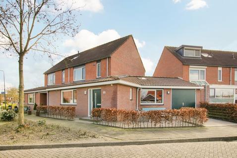 Waardijnstraat 3 in Weesp 1383 CG