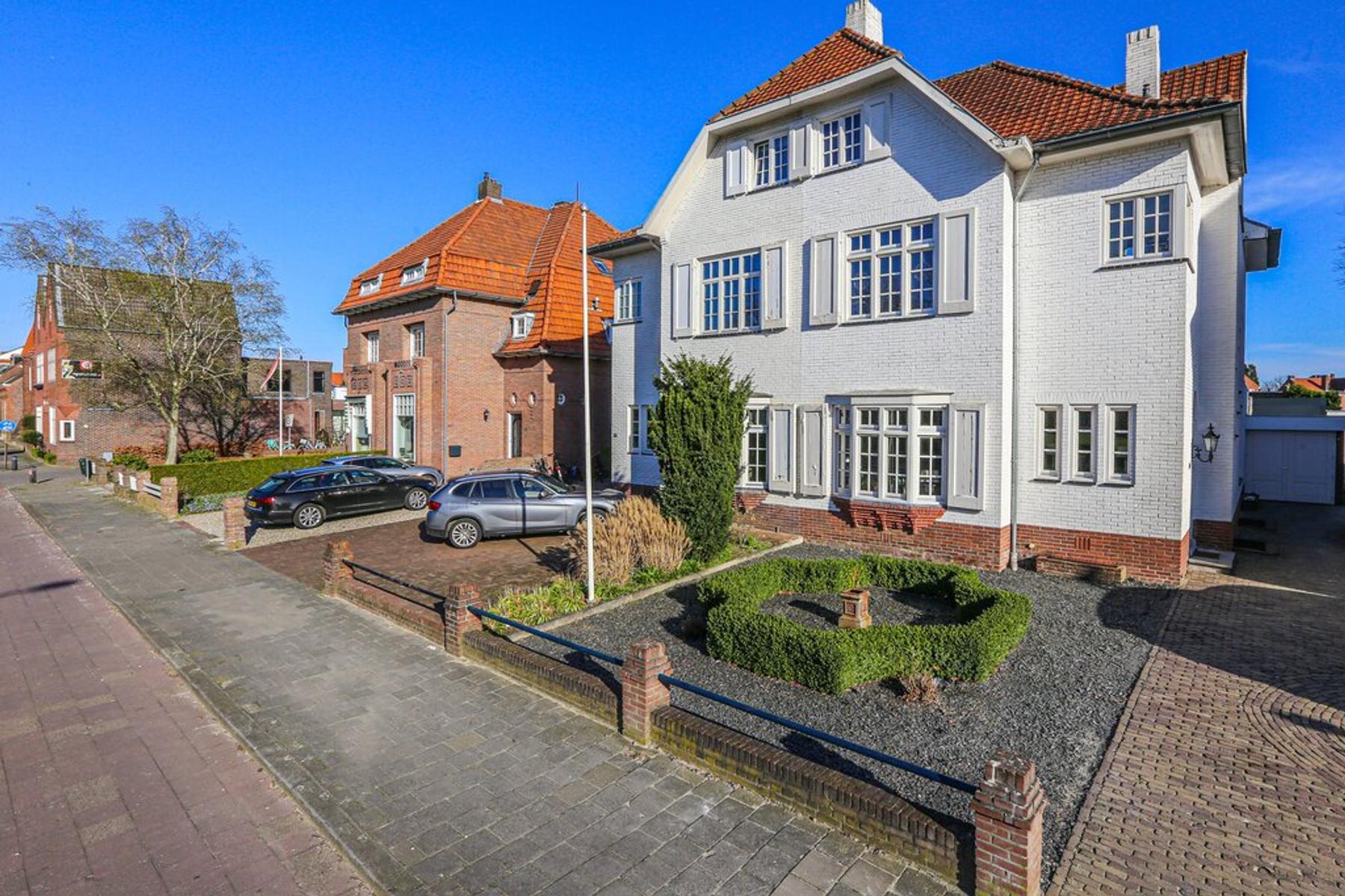 Burgemeester Van Rijnsingel 26 in Venlo 5913 AN