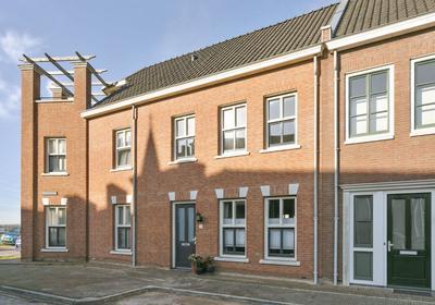 Vaartsestraat 21 in Helmond 5708 XE