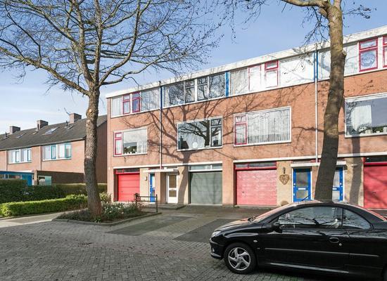 Bosboomhof 17 in Lekkerkerk 2941 TA