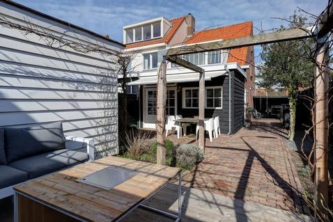 Emmastraat 1 in Hardinxveld-Giessendam 3373 AG