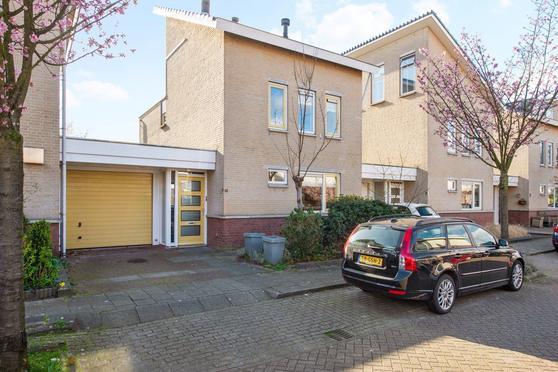 Warmoesland 39 in Den Hoorn 2635 LB