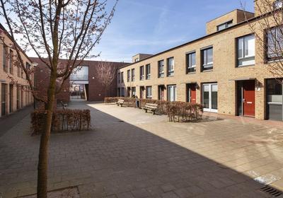 Joop Den Uylhof 8 in Veenendaal 3904 EV