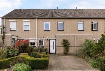 Van Hoornlaan 116 in Zutphen 7207 JL