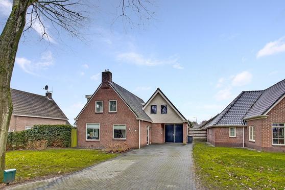 Dorpsstraat 4 B in Eesergroen 9537 TC