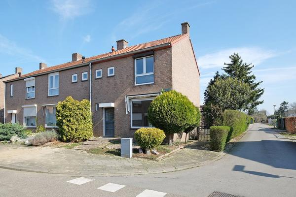 Notarisstraat 10 in Susteren 6114 HX