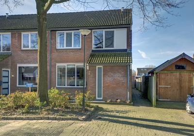 Mr. Simon Buijsstraat 4 in Geertruidenberg 4931 RC