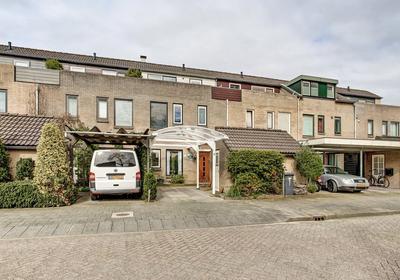 Carillonlaan 23 in Nieuwegein 3438 RC