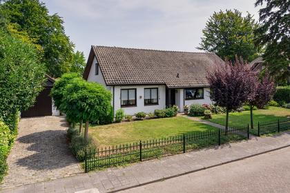 Plantsoen 7 in Prinsenbeek 4841 AV