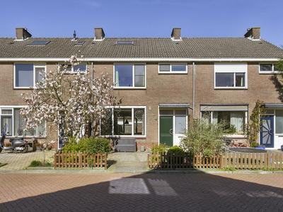 Waddenzeestraat 4 in Oost-Souburg 4388 GM