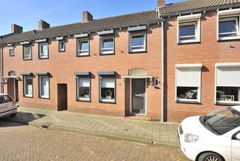Sint Amandusstraat 10 in Venlo 5921 HT