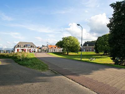 Raadhuisdijk 16 in Maasbommel 6627 AD