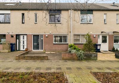 Louis De Funesstraat 6 in Almere 1325 GB