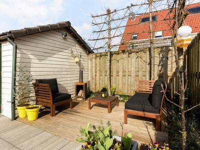 Dekkerstraat 12 in Ouderkerk Aan Den IJssel 2935 XC