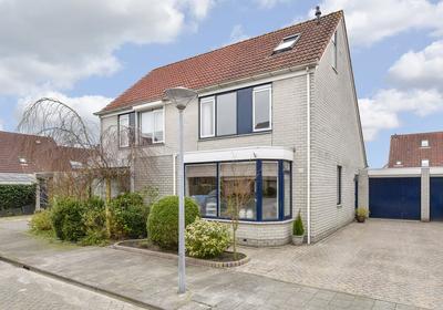 Smaragd 66 in Hoorn 1625 RJ